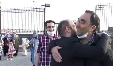 بعد سنوات من احتجازه بأميركا.. الباحث الإيراني أصغري يعود إلى طهران (فيديو)