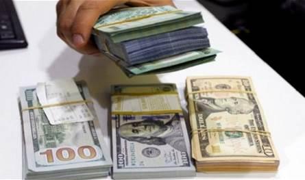 بعد هبوطه أمس: ارتفاع سريع بسعر صرف الدولار في السوق السوداء