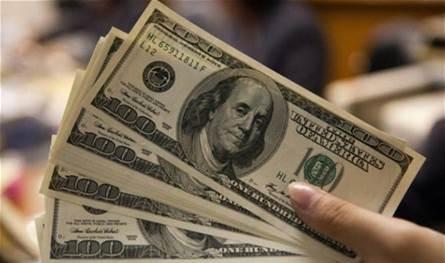 إليكم سبب تراجع سعر العملة الخضراء: 4 صرافين ضخوا الدولار في السوق!