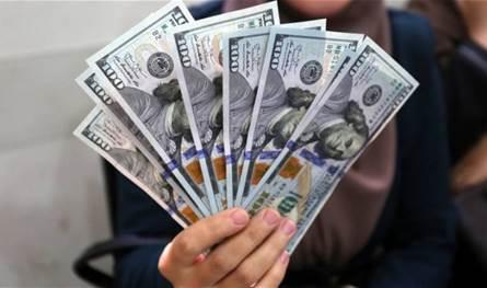 خبير مالي يكشف مصير الدولار في السوق الموازية.. هل سينخفض؟